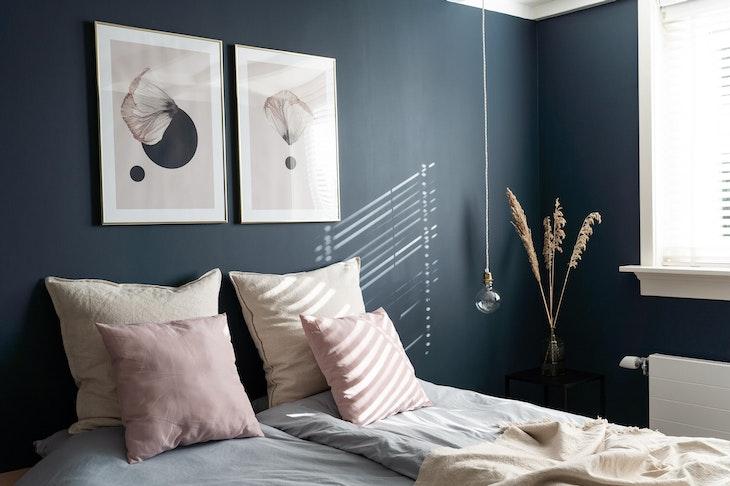 [] slaapkamer hague blue gloeilamp desenio